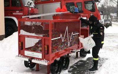 Wóz strażacki na nakrętki Niedźwiedzice
